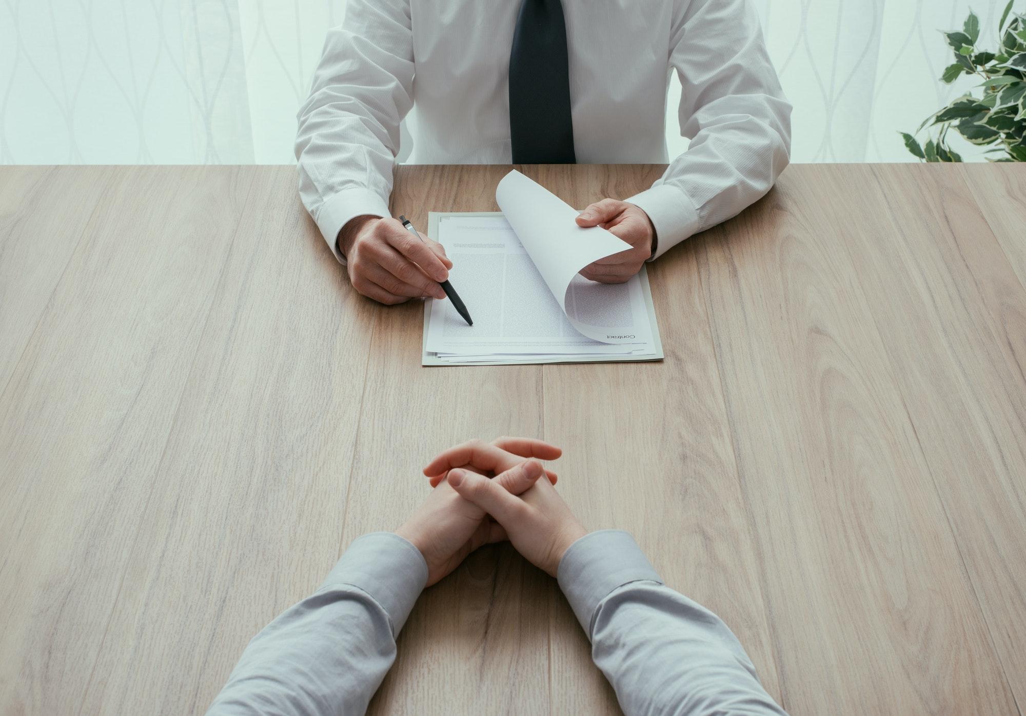 particulier-droit-travail-contrat-avant-agn-avocats.jpg
